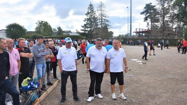Le 42e National pétanque de Chalon-sur-Saône se déroule en ce moment, venez nombreux soutenir cet événement (1)