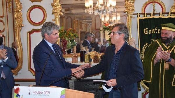 Michel Gallois gagnant du concours de la photographie sur le thème de 'la vigne et le vin' organisé par la Ville de Chalon-sur-Saône
