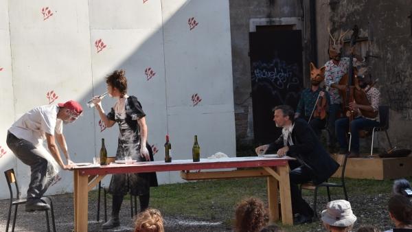 Chalon Dans la Rue : Avec la Cie Animaux de la Compagnie (Les), un spectacle tout simplement surprenant !