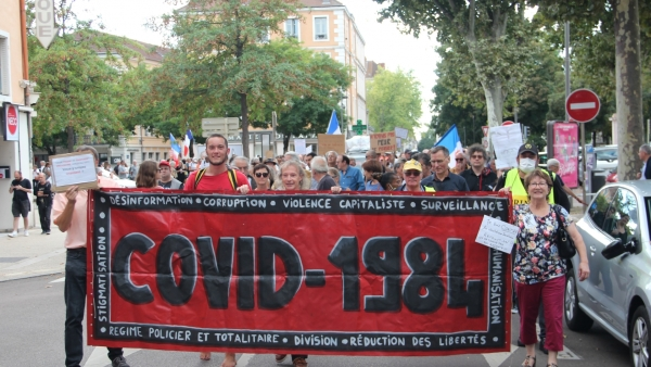 Manifestation contre le pass sanitaire: 350 manifestants, selon les organisateurs