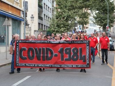 200 personnes ont défilé dans les rues de Chalon-sur-Saône lors du 11ème samedi de mobilisation contre le pass sanitaire