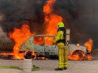 Impressionnant feu de voiture au coeur de Givry ce vendredi après-midi