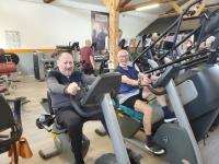 88 et 82 ans, les doyens de l'Appart Fitness de Châtenoy le Royal se maintiennent en forme