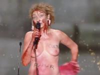 Corinne Masiero nue aux César : le parquet classe sans suite un signalement de députés LR pour exhibition sexuelle