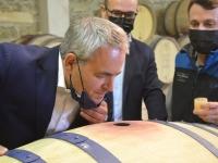 Le gel des printemps au coeur des échanges entre Xavier Bertrand et les viticulteurs de la Côte Chalonnaise