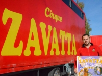 Le cirque Zavatta-Prein s'installe à Chalon-sur-Saône....