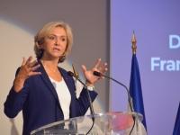 """""""Avec Macron, l'addition c'est après les élections"""" ironise Valérie Pécresse en déplacement à Chalon sur Saône"""