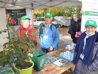 """FOIRE AUX PLANTES - Le rosier """"Chalon en Bourgogne """" est proposé en exclusivité par la Société d'horticulture de Chalon-sur-Saône"""