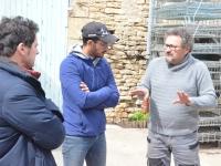 A Rully, le sénateur et conseiller régional, Jérôme Durain, prend le pouls des viticulteurs après l'épisode du gel de printemps
