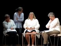 Derniers préparatifs de la troupe du Théâtre de Varnes pour leur première, le 23 novembre, à St-Loup-de-Varennes.