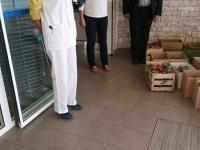 Les SEGPA du collège de Saint Rémy ont offert leurs fleurs à l'EHPAD des Terres de Diane