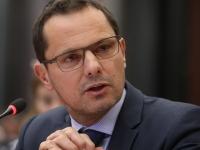 «Si vous ne voulez pas écouter les parlementaires, essayez d'écouter la société», suggère Jérôme Durain, Sénateur de Saône et Loire,  à Edouard Philippe