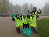 """150 enfants de l'école élémentaire Jean Desbois ont participé à une opération """"nettoyons la nature"""""""