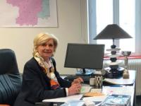 La députée Josiane Corneloup interpelle la ministre Jacqueline Gourault à propos des restrictions de services de La Poste