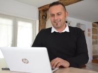 Face à la fracture numérique, Christophe Venin apporte la solution