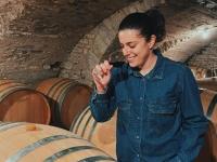 Nouveau à Chalon-sur-Saône : Dégustation de vins à domicile avec Alice Raquillet, la caviste qui se déplace chez vous !