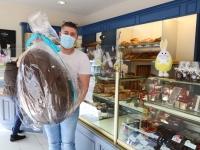 Qui va gagner l'œuf géant en chocolat de la boulangerie pâtisserie Jouvenceaux?