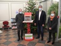 La mairie accueille la boîte aux lettres du Père Noël de la régie de quartiers de l'Ouest Chalonnais