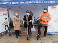 Le Grand Chalon propose des sessions d'initiation à la trottinette électrique Place Pierre Sémard