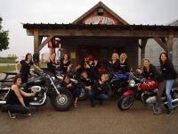 Des motardes qui roulent pour l'association Toujours femme