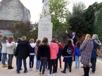 Sensibilisation des enfants de l'école Notre Dame de Varanges à la notion de commémoration