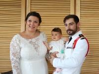 Brigitte Martin adjointe à la mairie de Saint Rémy a uni Agathe et Jonathan par les liens du mariage et a procédé au baptême civil de leur fille Théa.