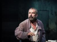 Une grande forme de théâtre, avec Philippe Torreton au plateau, sur un texte de Brecht et une mise en scène de Claudia Stavisky