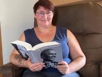 Se reconvertir professionnellement (portrait 1).  Chalon : Anaïs Charles rêvait de sa propre librairie d'occasion !