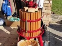Le jus de fruits a coulé à flots, lors de la fête de la pomme givrotine