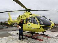 L'hélicoptère jaune du SAMU de Mont Blanc Hélicoptère dans le ciel du chalonnais objet de tous les mots.