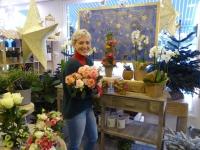 Dans sa boutique éponyme, Les Fleurs d'Elodie, Elodie Burdin vit sa passion depuis 11 ans!