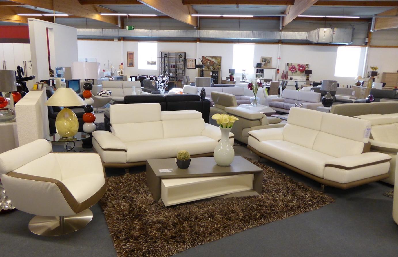 chez votre monsieur meuble del cluse chalon sa ne c est le moment de faire des affaires info. Black Bedroom Furniture Sets. Home Design Ideas