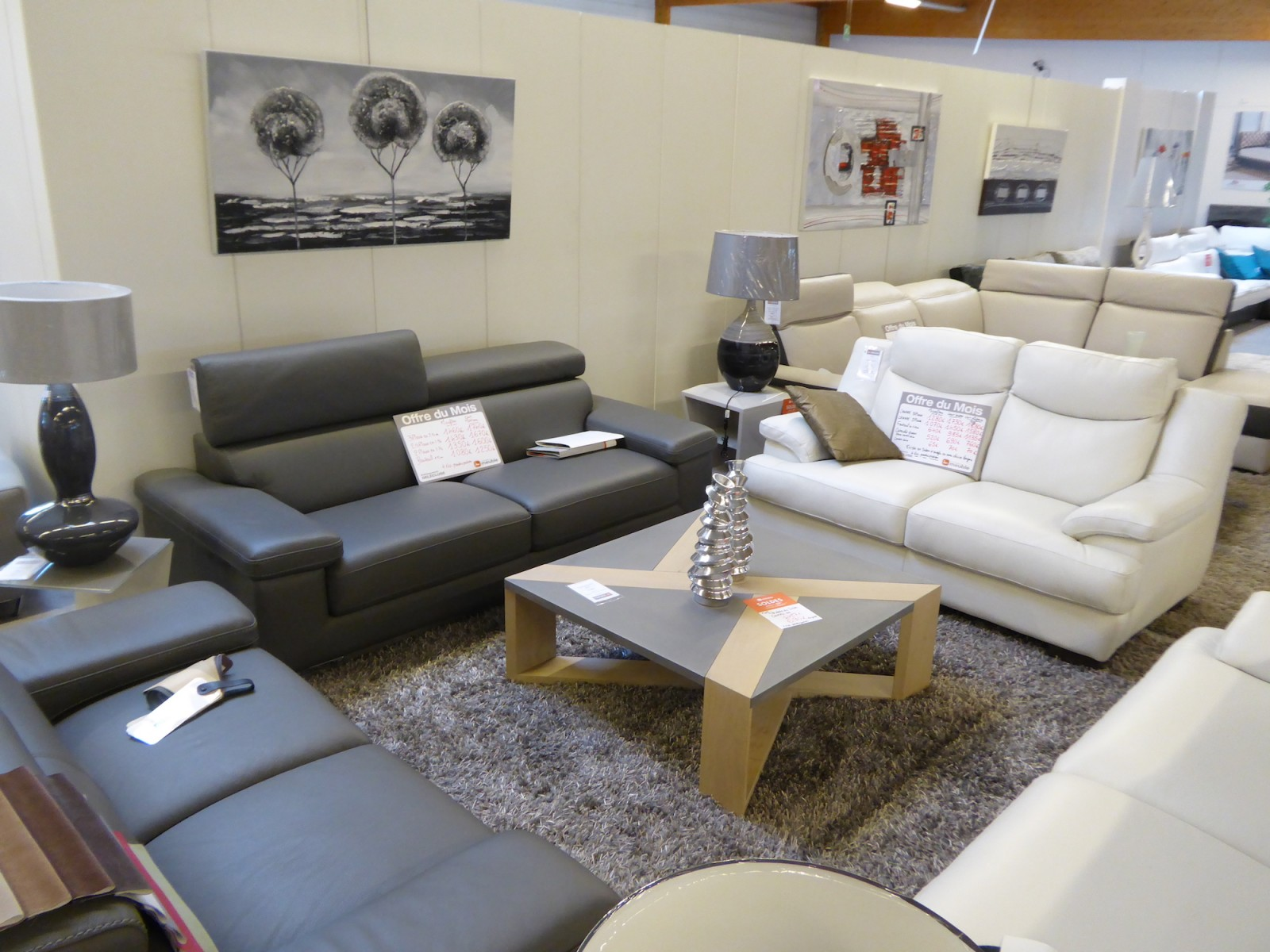 soldes d t chez monsieur meuble del cluse chalon sa ne info chalon l 39 actualit de info chalon. Black Bedroom Furniture Sets. Home Design Ideas