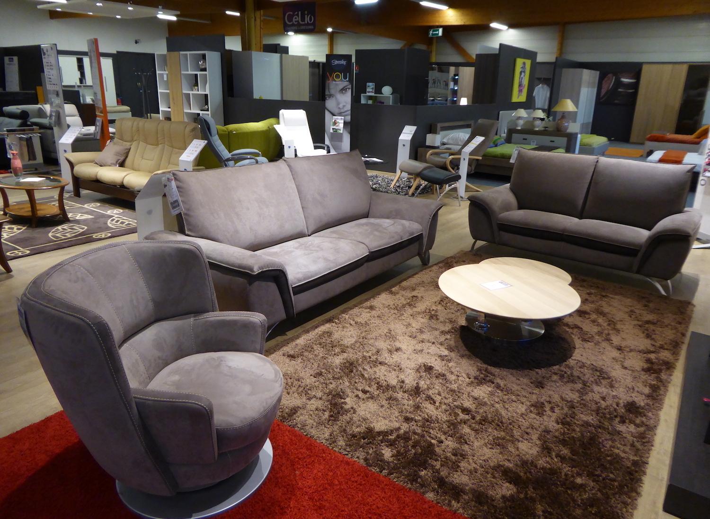 chez monsieur meuble del cluse chalon sa ne derni re ligne droite pour faire des affaires. Black Bedroom Furniture Sets. Home Design Ideas