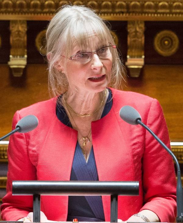 """HOPITAL DE CHALON - Marie Mercier, sénateur de Saône et Loire se dit """"très attentive et mobilisée sur le dossier"""""""