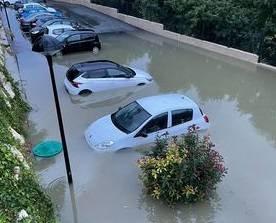 Les Bouches du Rhône et Marseille sous des déluges d'eau