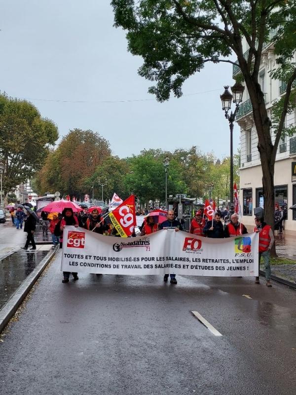 GREVE DU 5 OCTOBRE - 600 personnes ont défilé ce mardi à Chalon sur Saône