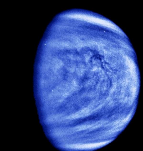 Vénus est-elle une planète vivante ?