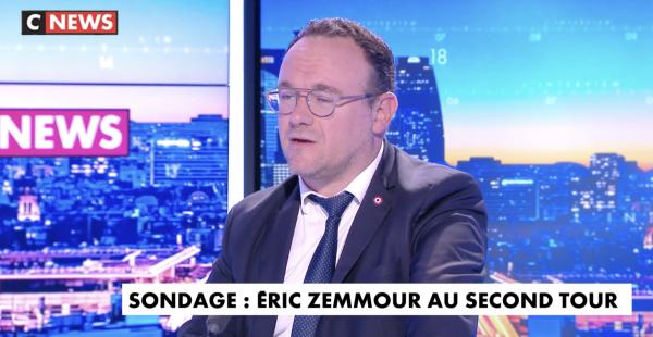 """Damien Abad, député LR, dénonce """"les propos pas acceptables de Gilles Platret"""""""