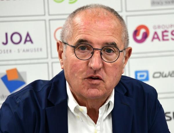 """""""Ce club n'appartient pas à Dominique Juillot, il appartient à un collectif"""" lance Dominique Juillot."""