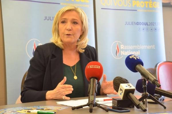 Marine Le Pen porte plainte après la diffusion de son numéro de téléphone sur les réseaux sociaux