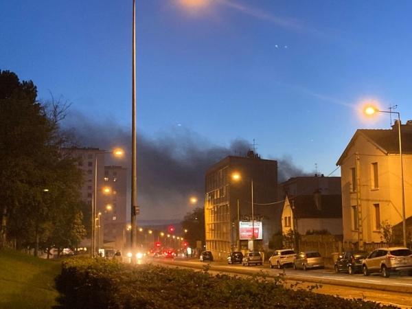 Gros incendie sur le site de Bourgogne Recyclage à Longvic (21)