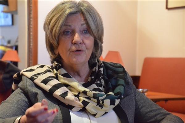 La députée de Saône et Loire, Cécile Untermaier, interpelle Jean-Michel Blanquer, sur la question des dotations horaires