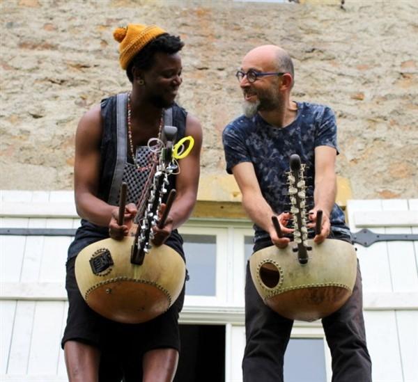 Hervé Lapalud et Dramane Dembelé en spectacle le 17 juillet à l'église de Cortiambles (Givry)