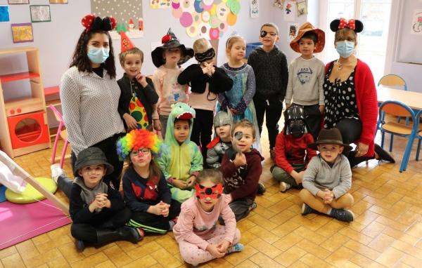 Les enfants de la maison de loisirs de Champforgeuil font leur carnaval