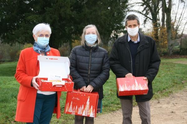 Champforgeuil. Les colis de Noël distribués par les élus