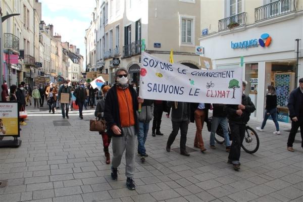 250 personnes à la Marche pour le climat ce samedi à Chalon-sur-Saône