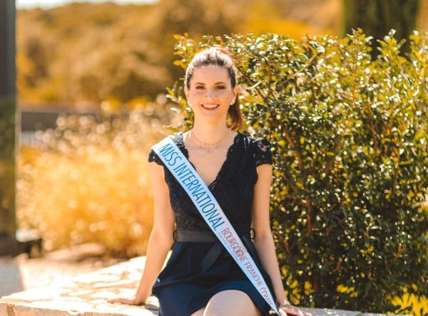 En avril, le concours « Miss International France ». Et si la Chalonnaise Céline Delhomme remportait une couronne ?