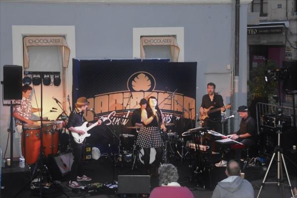 Festival  Garçon la note : Grosse affluence pour assister au concert du groupe 'Caribbean Soul Steppers'