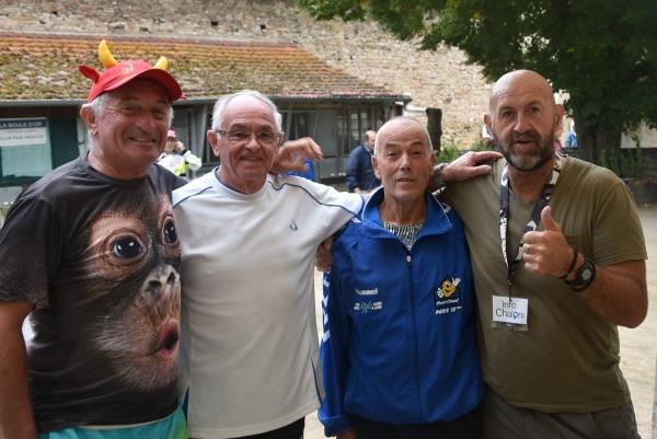 La quadrette Griffonnet-Blondet-Ferreira-Gatinet remporte le Concours vétéran de boules Lyonnaise de la « Boule d'Or »